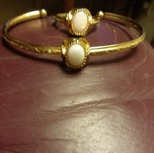 Ring and bracelet with opals